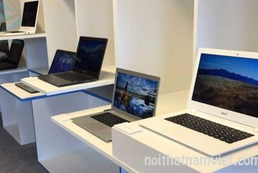 Tủ kệ trưng bày cửa hàng laptop